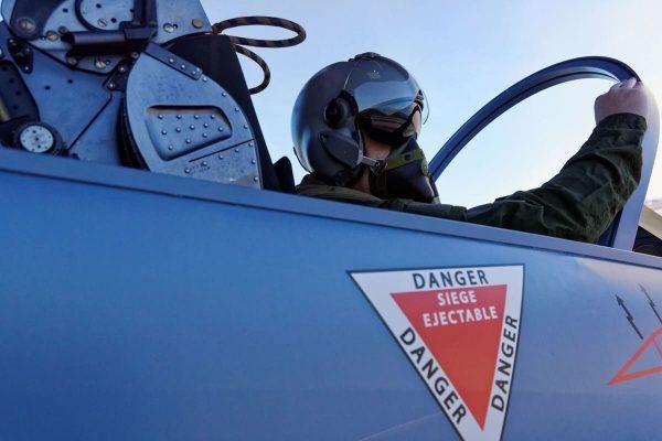 Dans le cockpit d'un Mirage 2000 !