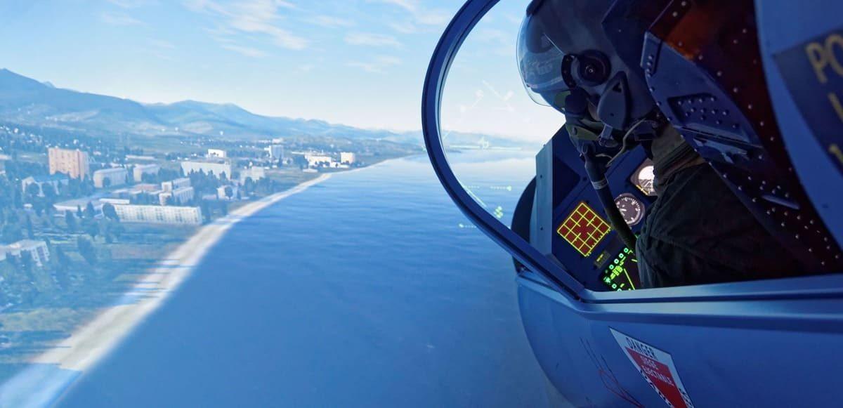 Survol d'un littoral avion de chasse simulateur