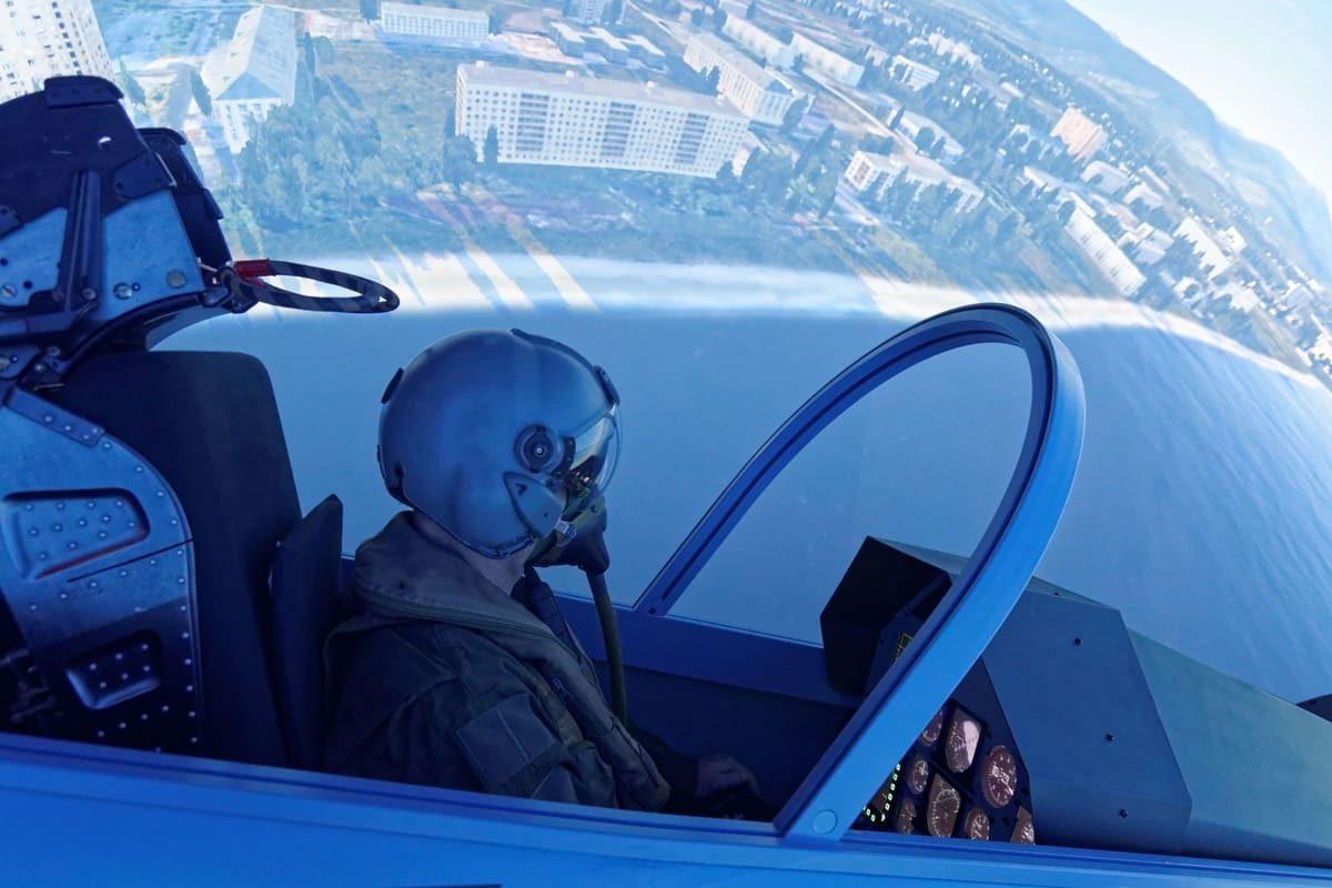 Survol d'une baie dans un Mirage 2000