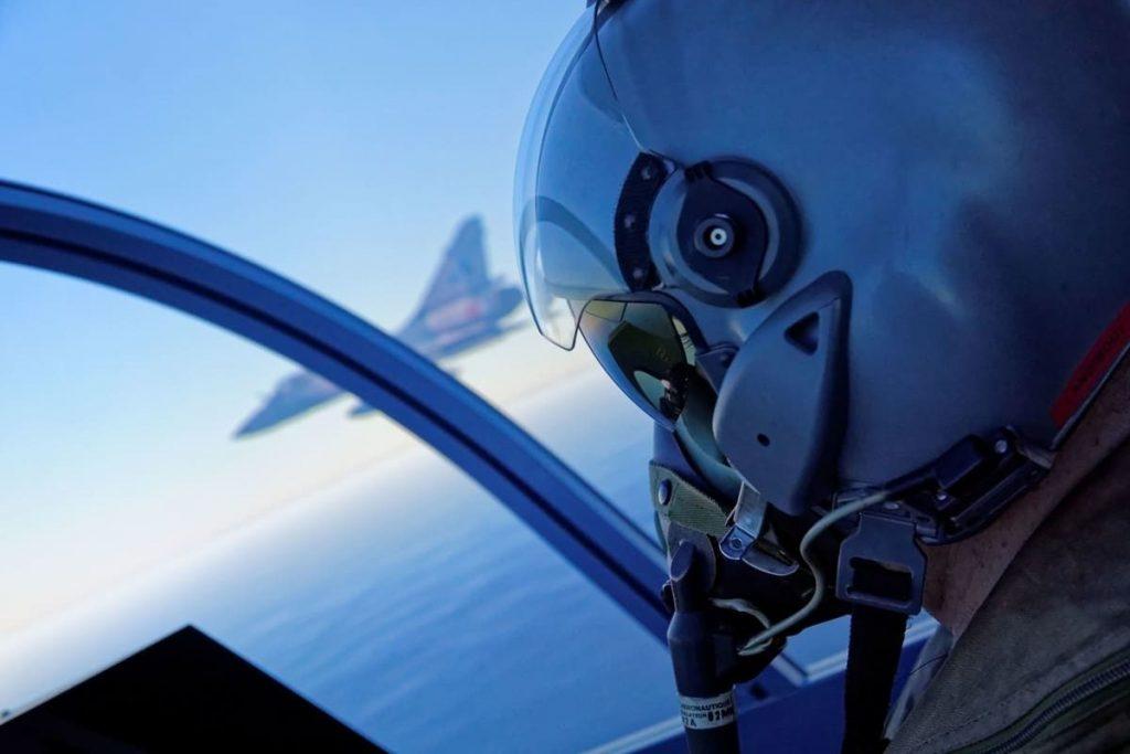 Magnifique casque de pilote Mirage 2000