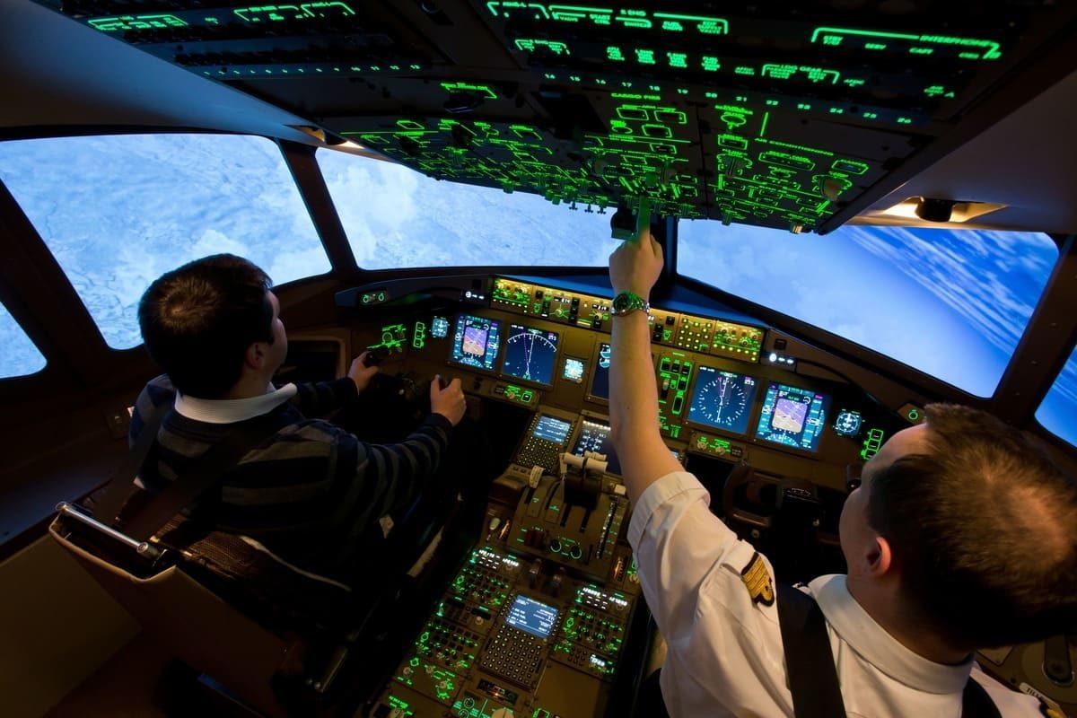 Cockpit B 777